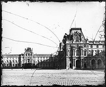 The Louvre Palace. The Mollien pavilon. Paris (Ist arrondissement), circa 1859. Photograph by Gustave Le Gray (1820-1884). Bibliothèque Historique de la Ville de Paris. © Gustave Le Gray / ARCP / BHVP / Roger-Viollet