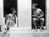 """Tournage d'une scène en extérieur pour le film """"Voyage à deux"""" (Two for the Road) de Stanley Donen, sur la plage Beauvallon près de Saint-Tropez. Audrey Hepburn et Albert Finney. USA, 8 Juillet 1966. © TopFoto / Roger-Viollet"""