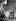 Francis Bacon (1909-1992), peintre britannique, dans son atelier, vers 1972.  © TopFoto/Roger-Viollet