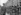 Le général de Gaulle passant en revue le Bataillon du Pacifique à la caserne de la Tour Maubourg. Paris, septembre 1945. © LAPI/Roger-Viollet