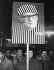 Manifestations du lundi. Manifestants exigeant l'arrestation d'Erich Honecker (1912-1994), homme d'Etat allemand. Leipzig (Allemagne), 11 décembre 1989. © Ullstein Bild/Roger-Viollet