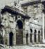"""Insurrection de Pâques 1916. Ruines du bâtiment des """"Four Courts"""", siège de la Cour suprême d'Irlande. Dublin (Irlande), 24 avril 1916. © TopFoto/Roger-Viollet"""