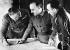 Guerre d'Espagne (1936-1939). Francisco Franco (1892-1975), général et homme d'Etat espagnol, préparant l'avancée de l'armée nationaliste avec Agustín Muñoz Grandes (1896-1970), général espagnol. © Iberfoto / Roger-Viollet