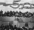 Communisme en Hongrie. Cinquantième anniversaire de la fondation de l'USAP (Parti Socialiste des Travailleurs Hongrois). Janos Kadar (1912-1989), secrétaire général du comité central de l'USAP, au pupitre devant les membres du comité central. 23 novembre 1968. © Ullstein Bild / Roger-Viollet