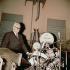 Enzo Ferrari (1898-1988), pilote automobile et industriel italien, au siège de son usine. Maranello (Italie). © Gianfranco Moroldo / Alinari / Roger-Viollet
