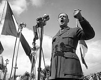 Charles de Gaulle (1890-1970), French statesman, making a speech. Bordeaux (France), 1947. © Roger-Viollet