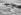 Nageur s'apprêtant à plonger dans la mer démontée, vers 1930. © Imagno/Roger-Viollet