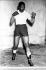 Nelson Mandela (1918-2013), homme politique sud-africain, leader du mouvement ANC en Afrique du Sud. Entraînement de boxe. © Sven Simon / Ullstein Bild / Roger-Viollet