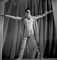 """Oedipe Roi"" of Jean Cocteau, according to Sophocles. Costume of Chanel. Paris, theatre Antoine, July 1937. © Boris Lipnitzki / Roger-Viollet"