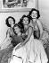 Les soeurs Gabor : Magda, Eva et Zsa Zsa Gabor, avec leur mère Jolie, dans les années 1950. © TopFoto / Roger-Viollet
