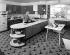 Intérieur d'une cuisine dans les années 1960. © TopFoto/Roger-Viollet