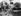 Femme emballant ses cadeaux de Noël. Grande-Bretagne, 11 mars 1965.  © TopFoto/Roger-Viollet