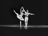 """Rudolf Noureiev et Noëlla Pontois dans """"La Bayadère"""" de Ludwig Minkus. Chorégraphie de Rudolf Noureiev. Paris, Opéra Garnier. Octobre 1974. © Angelo Melilli/Roger-Viollet"""