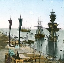 Inauguration of the Suez Canal (Egypt). Entrance of the port at Port Said. Detail of a colorized stereoscopic view. © Léon et Lévy/Roger-Viollet
