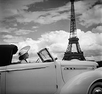 Woman driving a Chrysler car at the Champ-de-Mars. Paris (VIIth arrondissement), July 1938. © Boris Lipnitzki / Roger-Viollet