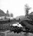 Quai de la Seine. 1950.  © Roger-Viollet