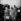 Ernest Hemingway (1899-1961), écrivain américain, et son épouse Mary Welsh Hemingway (1908-1986), journaliste américaine, arrivant à Venise (Italie), 23 mars 1954. © Alinari/Roger-Viollet