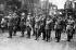 Guerre polono-soviétique, 1920. Officiers alliés à Varsovie, venus se joindre aux forces polonaises. Au centre, dernier rang : Charles De Gaulle, capitaine. © Albert Harlingue/Roger-Viollet