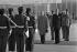 Janos Kadar (1912-1989), premier secrétaire du PC hongrois, accueilli à l'aéroport par Valéry Giscard d'Estaing, président de la République française. Novembre 1978. © Jacques Cuinières / Roger-Viollet
