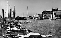Deauville (Calvados). The yacht dock, in the 1960's. © CAP / Roger-Viollet