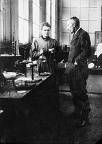 Pierre and Marie Curie, French physicists, in their first laboratory installed in a shed of EPCI, rue Lhomond. Paris (Vth arrondissement), 1896-1905. © Albert Harlingue/Roger-Viollet