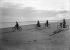 Cyclisme sur une plage. Saint-Palais-sur-Mer (Charente-Maritime), 1929. Photographie Henri Roger (1869-1946). © Henri Roger / Roger-Viollet