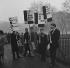 Manifestation antinucléaire sur Hyde Park. Londres (Angleterre), 3 janvier 1960. © TopFoto/Roger-Viollet