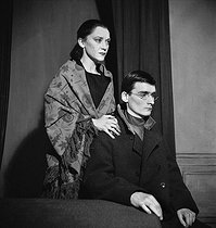 """Les Justes"", play by Albert Camus. Michel Bouquet and Maria Casarès. Paris, Théâtre Hébertot, December 1949. © Studio Lipnitzki / Roger-Viollet"