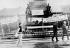 """Printemps de Prague. Manifestations contre l'entrée des troupes du pacte de Varsovie en Tchécoslovaquie. Slogans en polonais et en tchèque (""""Rentrez-chez vous ! Nous ne voulons pas de vous ! Nous sommes avec Dubcek""""). Prague, 24 août 1968. © Ullstein Bild / Roger-Viollet"""
