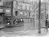 Paris. Inondations. Barque dans la rue Surcouf. 1910.                      © Roger-Viollet
