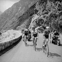 1965 Tour de France. Stage in the Pyrenees. From right to left : Julio Jimenez, Federico Bahamontes and Raymond Poulidor. © Roger-Viollet