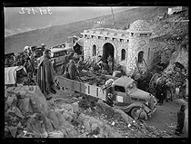 """Spanish Civil War (1936-1939). """"La Retirada"""". Truck carrying weapons taken from the Spanish Republican militiamen at the Coll Dels Belitres between Portbou and Cerbère (France), on February 8, 1939. Photograph from the Excelsior newspaper. © Excelsior - L'Equipe / Roger-Viollet"""