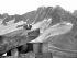 Le refuge du couvercle de la mer de Glace. Environs de Chamonix (Haute-Savoie). © Roger-Viollet