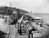 La promenade de la plage. Trouville-sur-Mer (Calvados), vers 1890-1900.   © Neurdein/Roger-Viollet