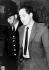 """Arrestation de Ronald Arthur Biggs (Ronnie, 1929-2013), voleur britannique et """"cerveau"""" de l'attaque du train postal Glasgow-Londres en 1963. © TopFoto / Roger-Viollet"""