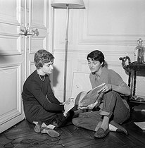 Annabel Buffet and Françoise Sagan, around 1955.     © Roger-Viollet