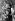 Jackie Kennedy Onassis (1929-1994) et son fils John Kennedy Jr (1960-1999) lors d'une cérémonie religieuse à la mémoire de Robert F. Kennedy. 6 juin 1969.  © TopFoto / Roger-Viollet