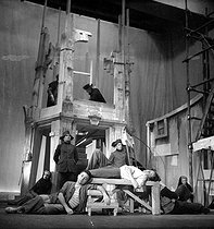 """L'Etat de siège"", play by Albert Camus, directed by Jean-Louis Barrault. Stage design by Balthus. Jean-Pierre Granval and Jean Desailly. Paris, théâtre Marigny, October 1948.  © Jean Albert / Studio Lipnitzki / Roger-Viollet"