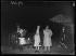 Arrivée à Paris de Dame Gracie Fields (1898-1979), de son vrai nom Grace Stansfield, chanteuse et actrice de music-hall et de cinéma britanno-italienne et son mari Monty Banks (1897-1950). 15 avril 1940.  © Excelsior - L'Equipe / Roger-Viollet