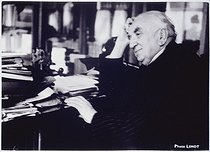 """Louis Lumière at his desk"", January 1936, photograph by Walter Limot (1902-1984). Paris, musée Carnavalet. © Walter Limot / Musée Carnavalet / Roger-Viollet"