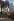 Femme sortant du métro Ménilmontant. Paris (XXème arr.), février 1970. Photographie de Léon Claude Vénézia (1941-2013). © Léon Claude Vénézia/Roger-Viollet