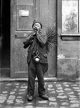 Chimney sweep from Savoy. France, 1907. © Jacques Boyer / Roger-Viollet