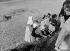 Colonie de vacances. France, vers 1950.   © Charles Hurault / Roger-Viollet