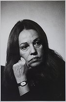 Jeanne Moreau (1928-2017), French actress, at her place. Paris, 1974. Photograph by Jean Marquis (born in 1926). Bibliothèque historique de la Ville de Paris. © Jean Marquis/BHVP/Roger-Viollet
