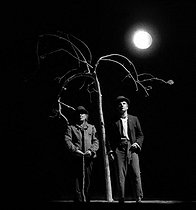 """Waiting for Godot"", play by Samuel Beckett. Jean-Paul Roussillon and Michel Aumont. Paris, Théatre de l'Odéon, February 1978.      © Angelo Mellili / Roger-Viollet"