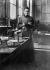 Marie Curie (1867-1934), physicienne française, dans son premier laboratoire installé dans un hangar de l'EPCI, rue Lhomond, Paris (Vème arr.), 1896-1905. © Albert Harlingue/Roger-Viollet