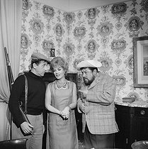 "Shooting of ""La Vendetta"", film by Jean Chérasse (1962). Jean Lefebvre, Rosy Varte and Francis Blanche. France-Italy, on January 23, 1962. © Alain Adler / Roger-Viollet"