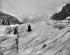 Traversée de la mer de glace. 1899. © Roger-Viollet