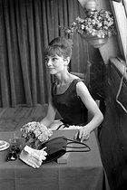 Audrey Hepburn (1929-1993), British actress. Paris, 1964. © Roger-Viollet