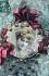 Jeune femme. Carte postale fantaisie. France, vers 1905. © Roger-Viollet